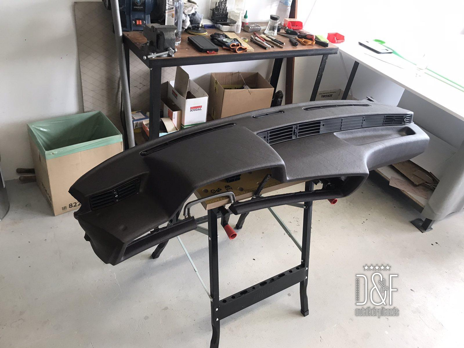 BMW 6-os műszerfal bőrözés